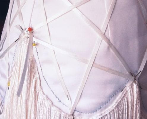 Van trouwjurk naar twenties party dress - Detail 2