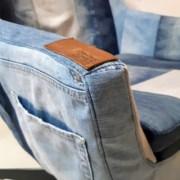 Stoel opnieuw bekleed in jeans van eigenaar